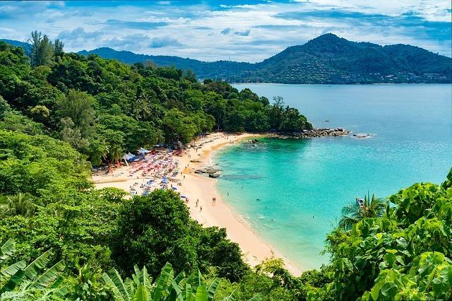 Сравнение пляжей и моря в Тунисе и Таиланде